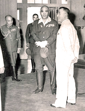 Homma Masaharu - Jorge B. Vargas, secretary of President Manuel Luis Quezon y Molina, and Homma Masaharu, general lieutenant in the Imperial Japanese Army, on February 20, 1943
