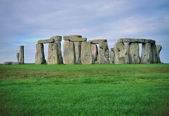HISTORICAL PLACES: STONEHENGE